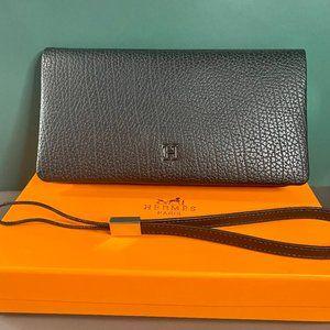 🎸H-e-r-m-e-s🎸 Black Zippered Handbag Wallet